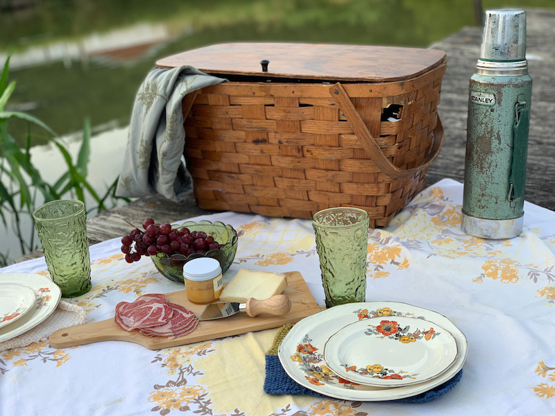 Picnic basket at the Treinen Farm